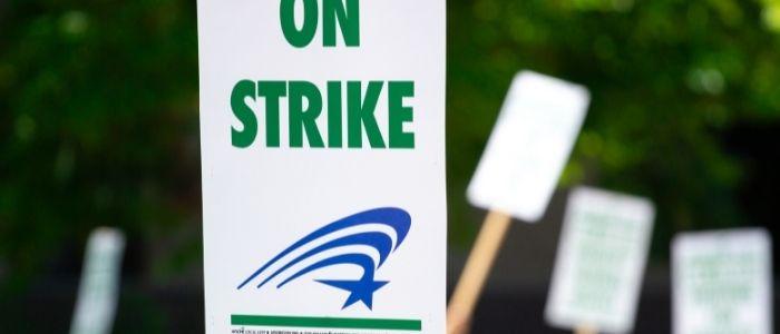 Strike vs Lock-Out